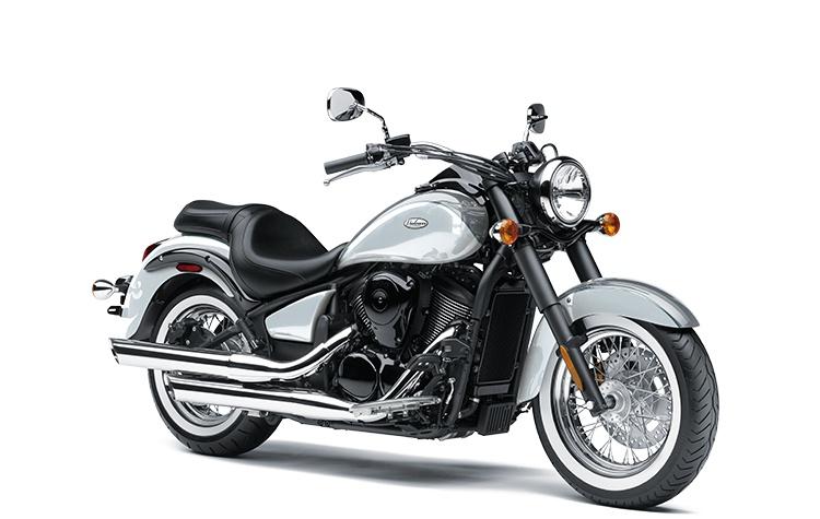 Kawasaki VULCAN 900 CLASSIC Gris Orageux Perle/Blanc Blizzard Perle 2021