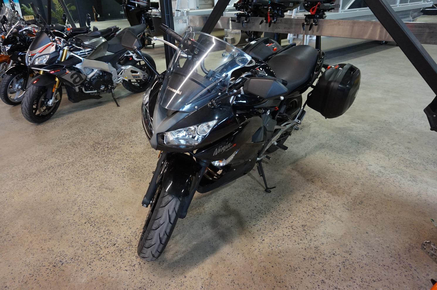 Kawasaki Ninja 400 2011
