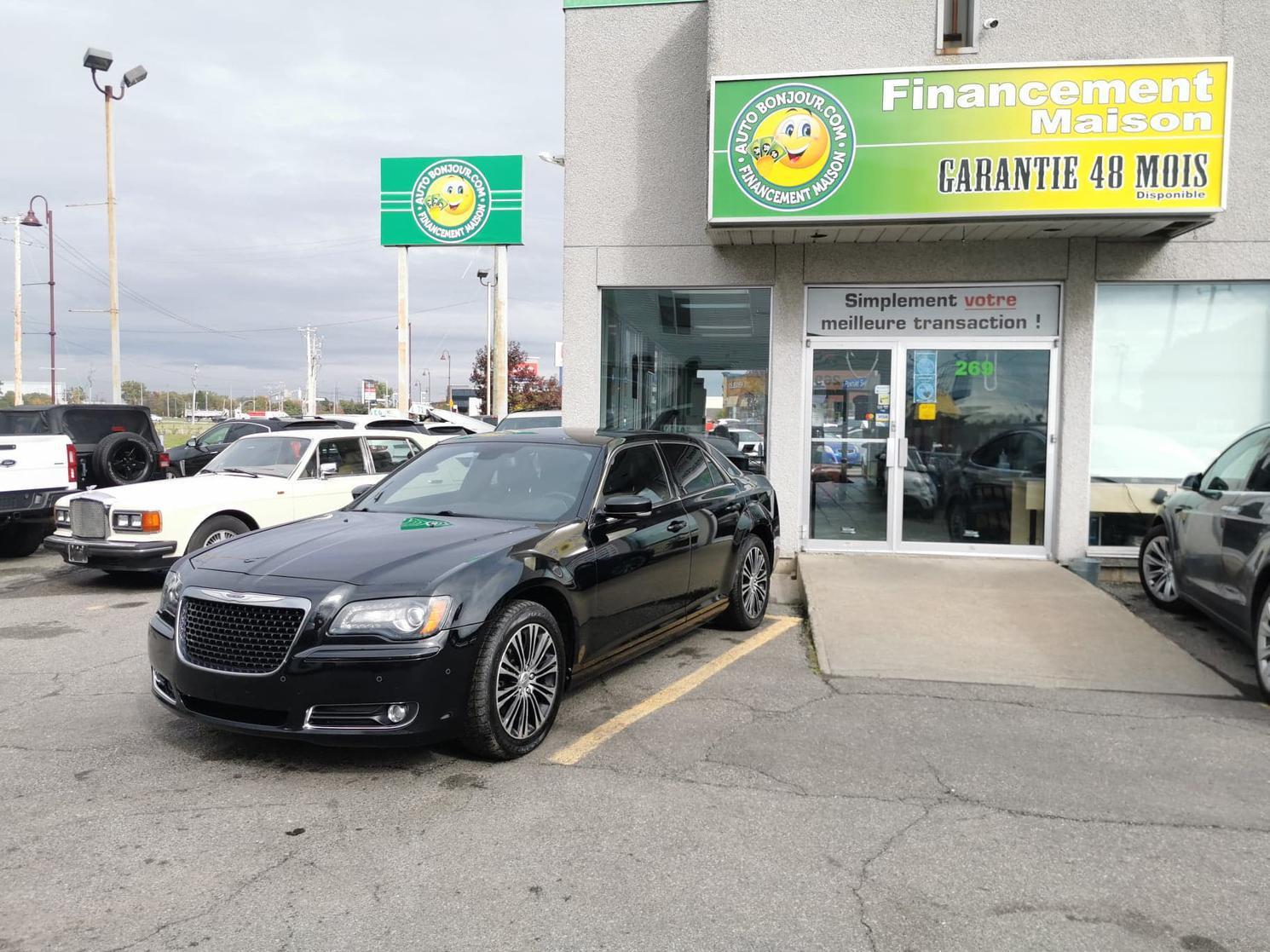 2013 Chrysler 300 82$/SEMAINE