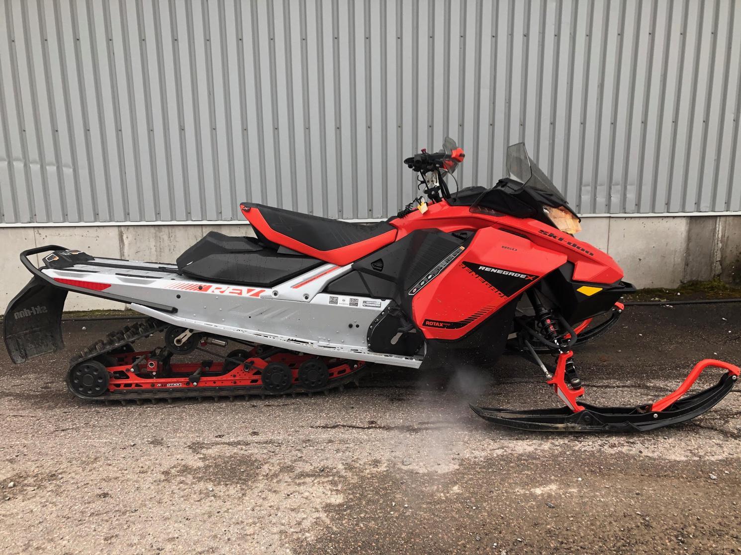 2019 Ski-Doo RENEGADE X 850