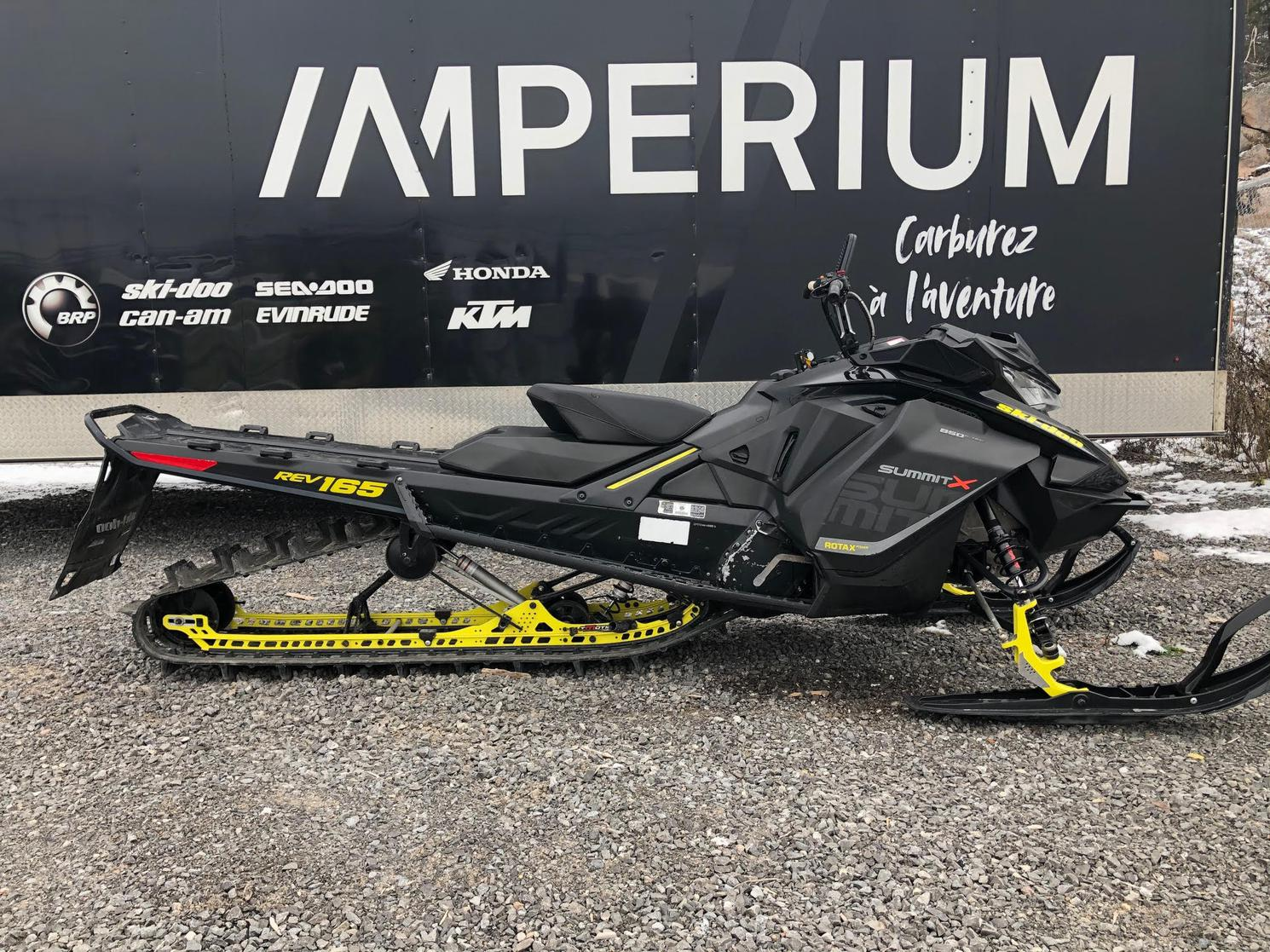 2017 Ski-Doo SUMMIT X 850, 165
