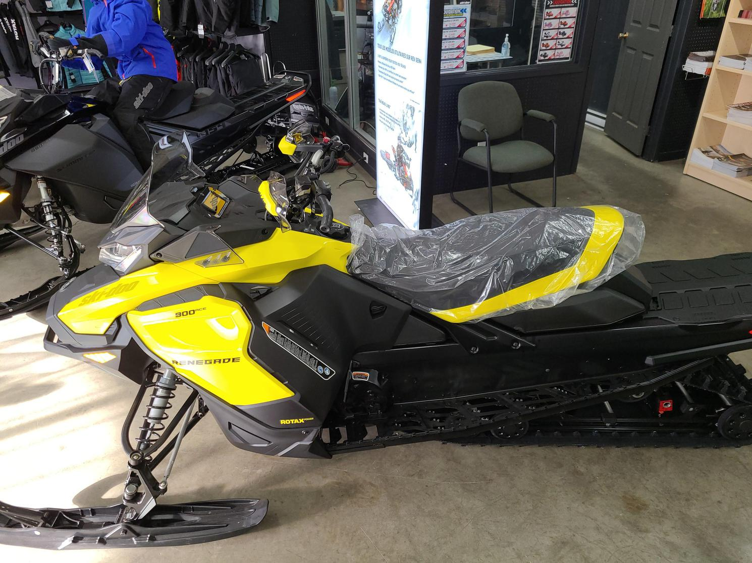 Ski-Doo RENEGADE 2021 - RENEGADE ADRENALINE 900 turbo