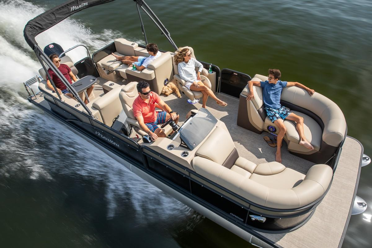 2021 Manitou Pontoon boat for sale, model of the boat is OASIS & Image # 4 of 7