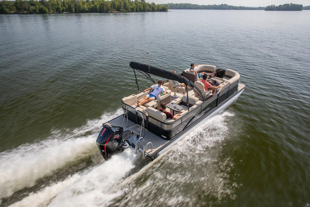 2021 Manitou Pontoon boat for sale, model of the boat is OASIS & Image # 3 of 7