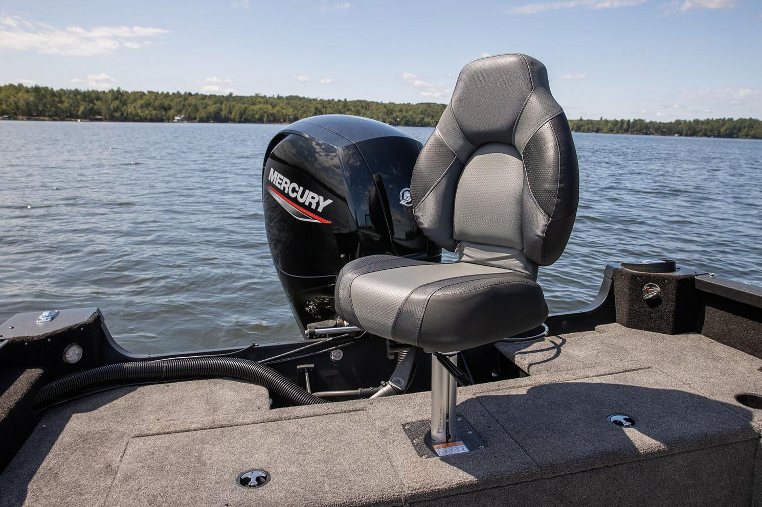 2021 Alumacraft boat for sale, model of the boat is Alumacraft Competitor Shadow 205 Sport & Image # 5 of 8