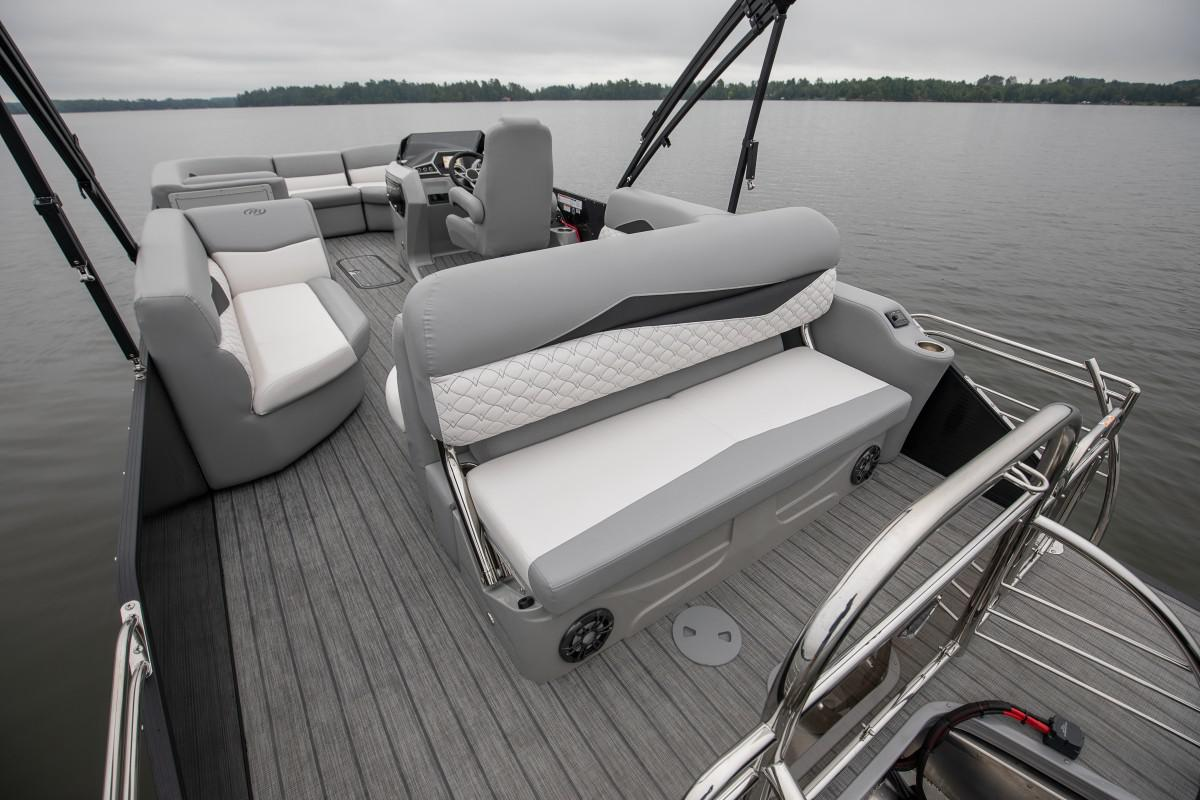 2021 Manitou Pontoon boat for sale, model of the boat is SES & Image # 6 of 6