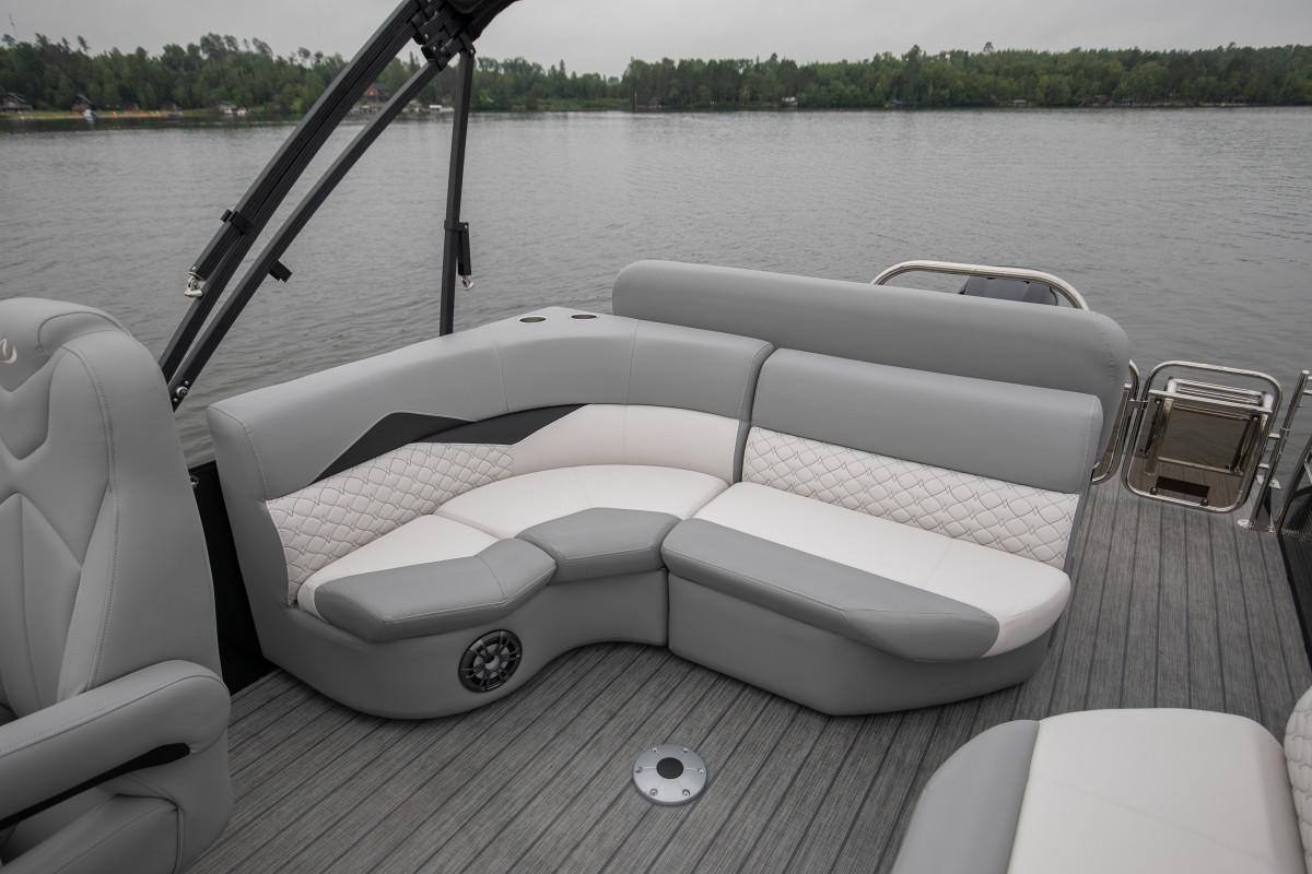 2021 Manitou Pontoon boat for sale, model of the boat is SES & Image # 5 of 6