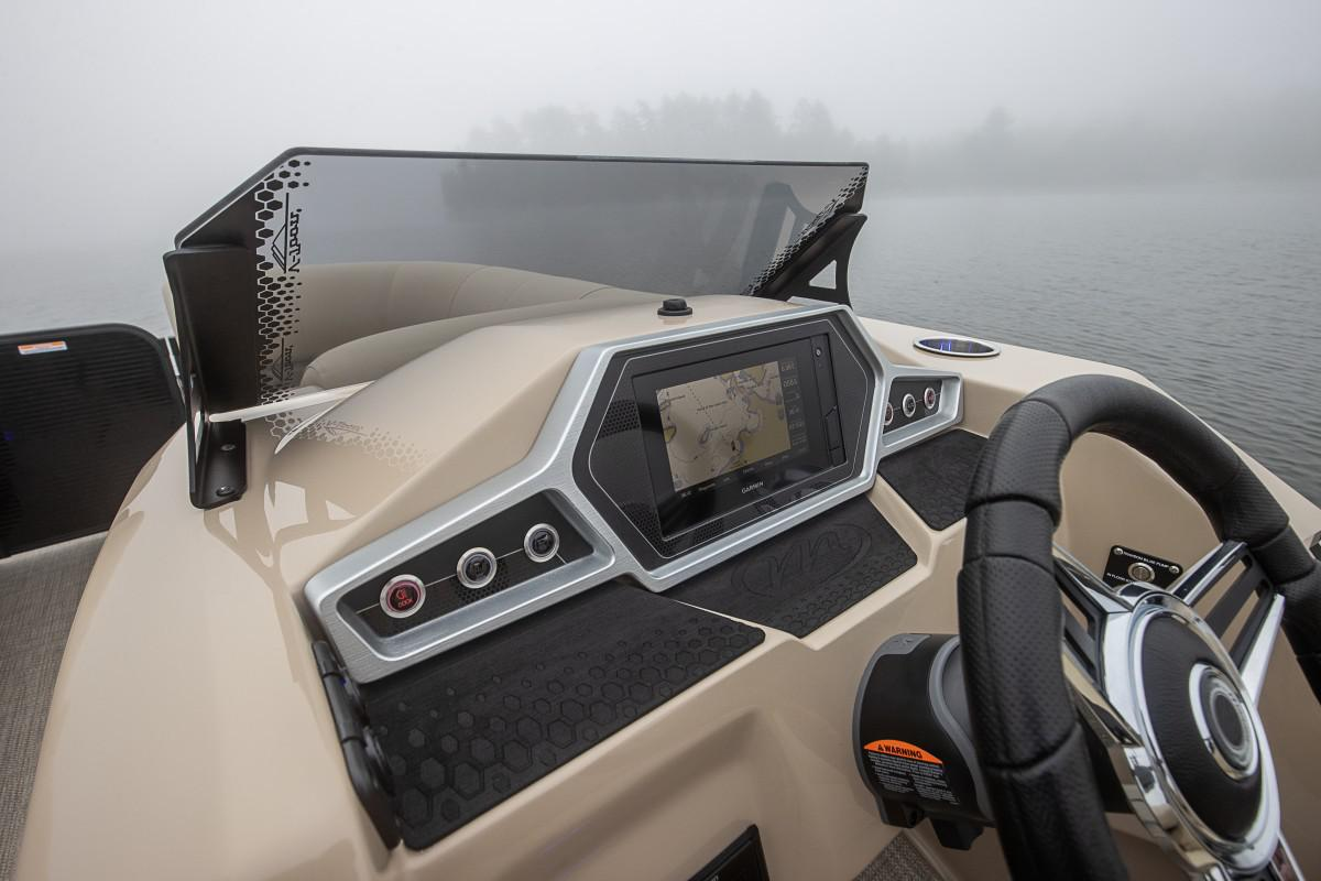 2021 Manitou Pontoon boat for sale, model of the boat is OASIS & Image # 7 of 7