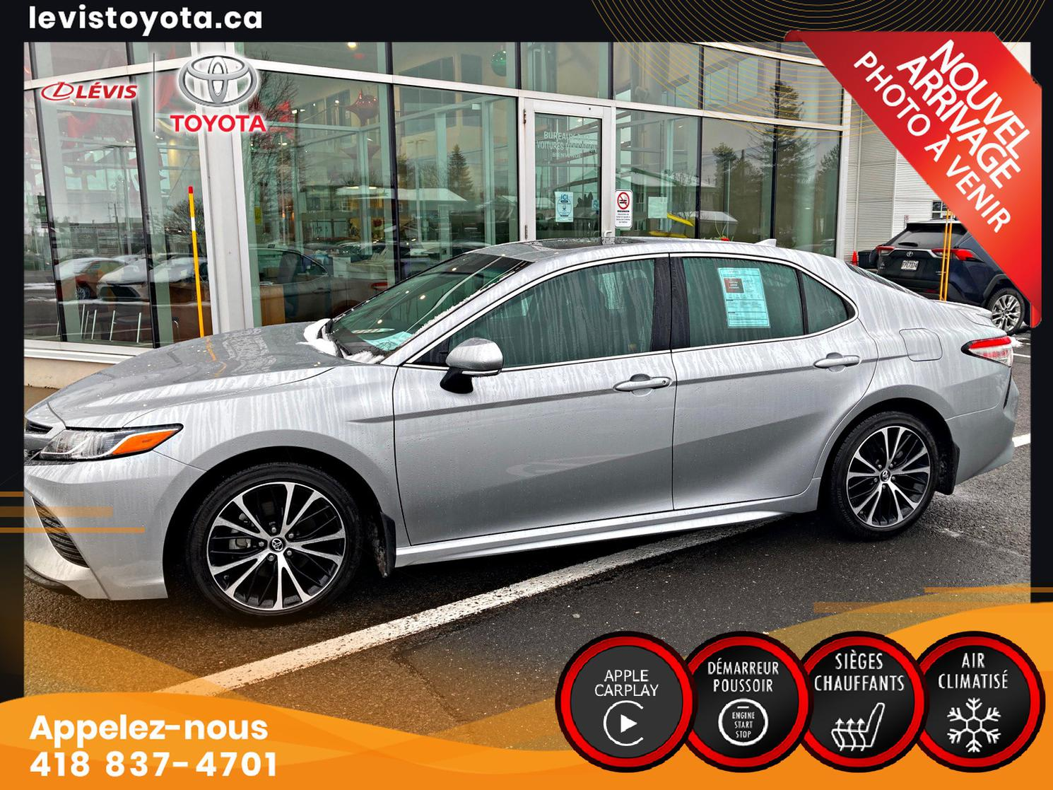 Toyota Camry SE  AUT TOIT 2018