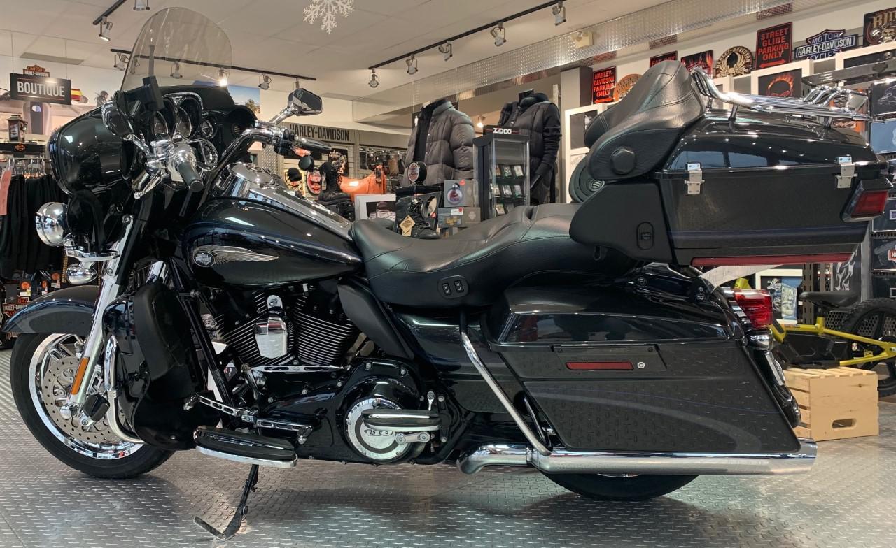 2013 Harley-Davidson FLHTCUSE Screamin Eagle
