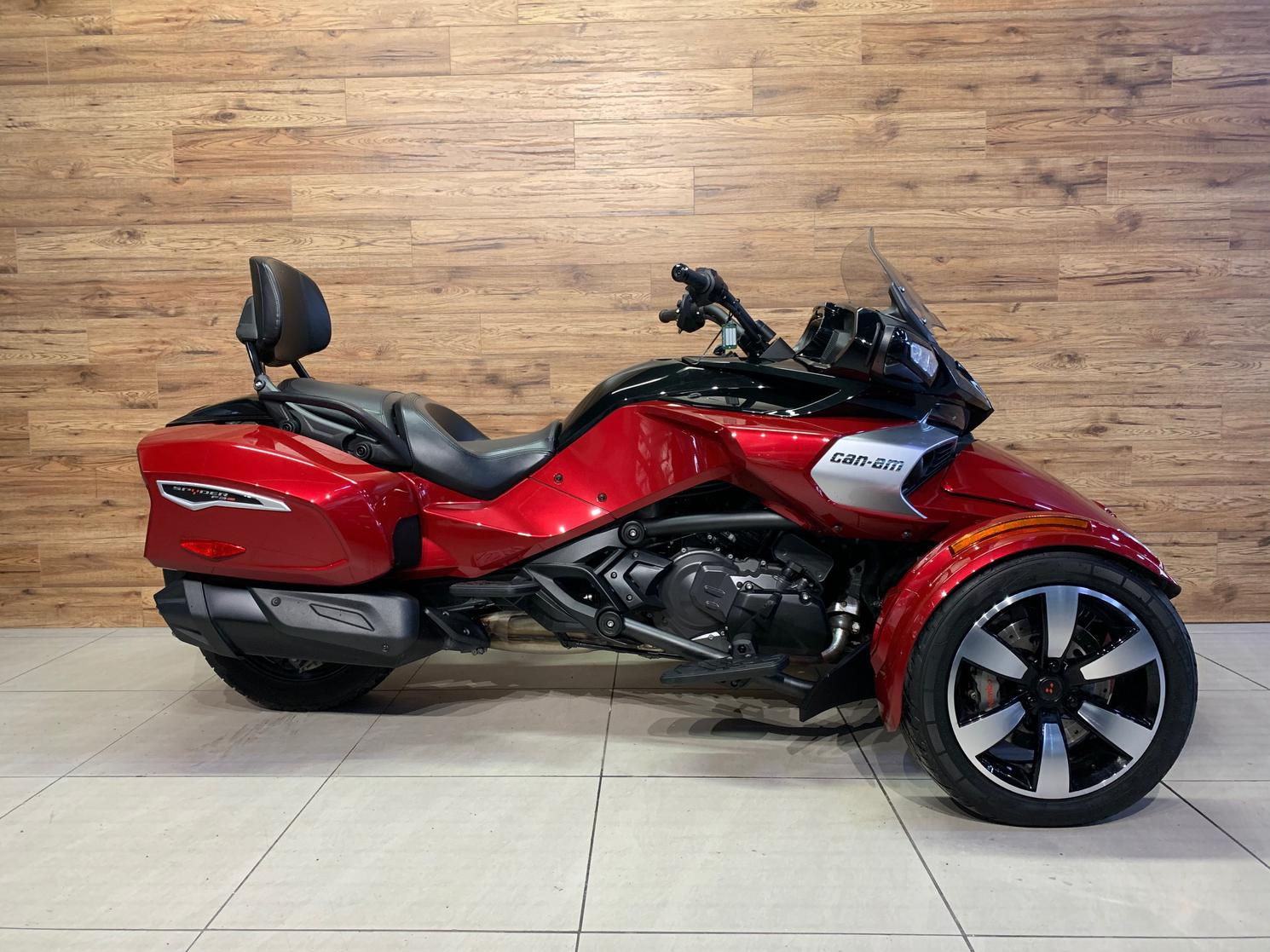 U4825 Can-Am SPYDER F3T SE6 2018