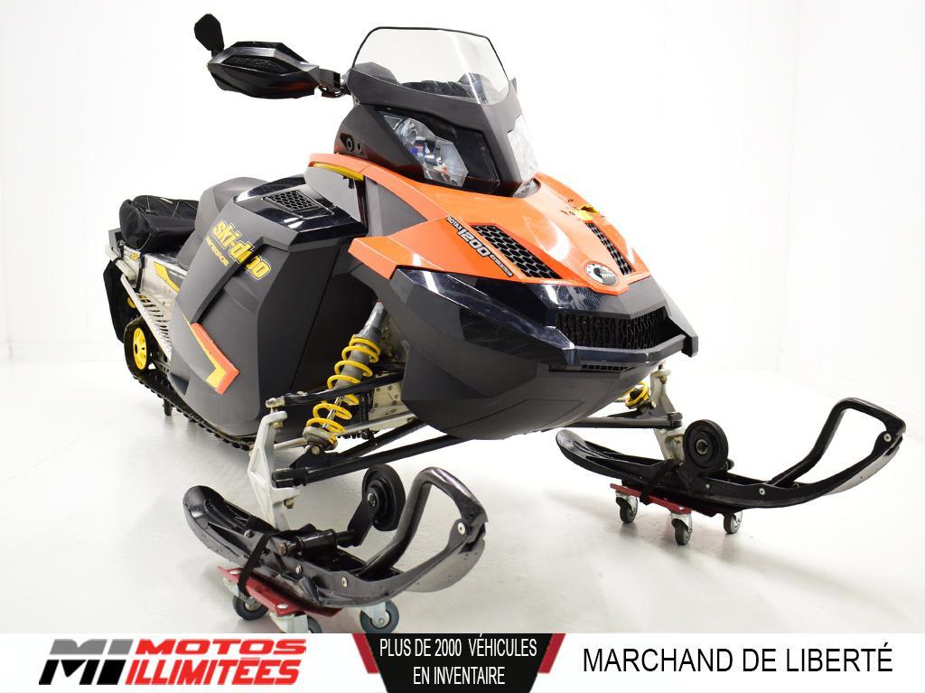 2010 Ski-Doo Renegade Adrenaline 1200 4-TEC Frais inclus+Taxes
