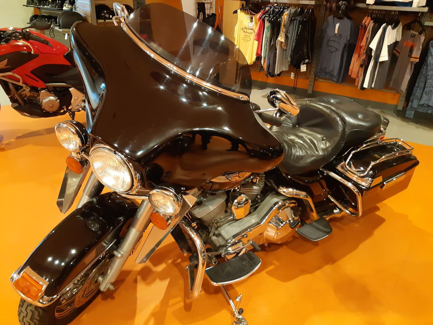 2003 Harley Davidson FLHT