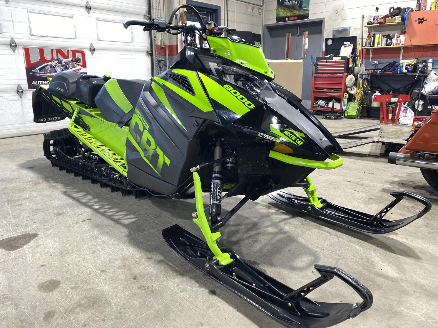 2018 Arctic Cat M 8000 Mountain Cat 162