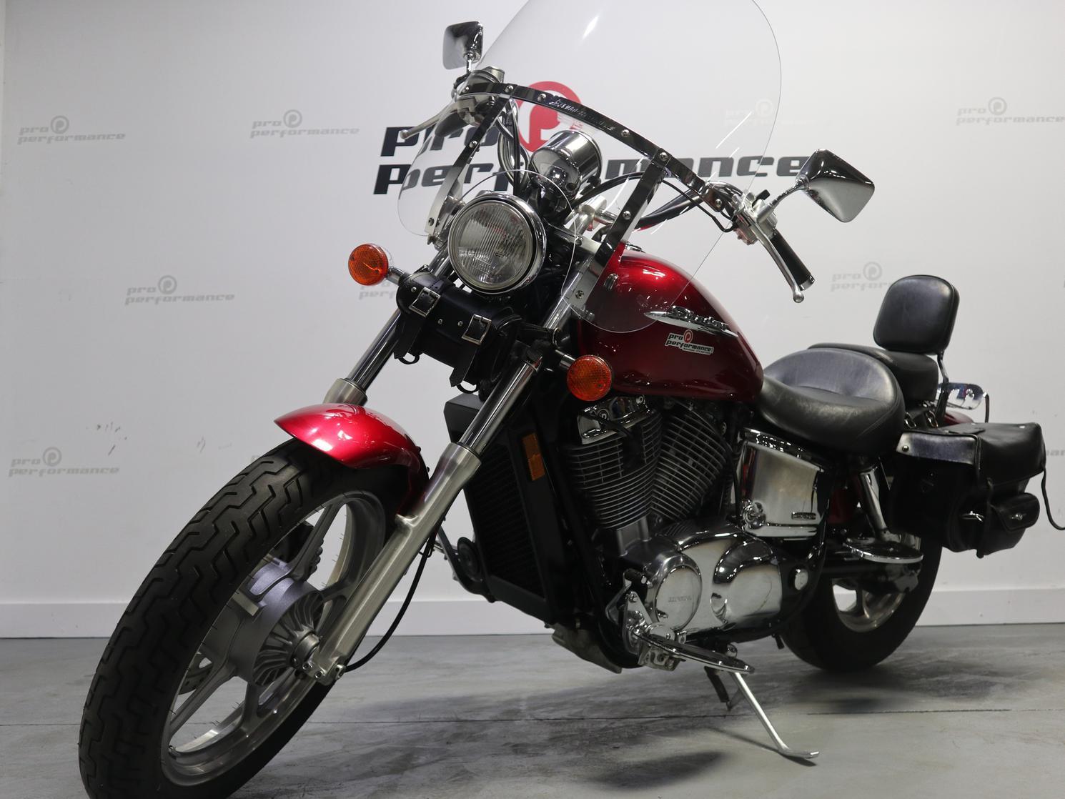 2005 Honda Honda Shadow VT1100 Seulement 34$/Sem.
