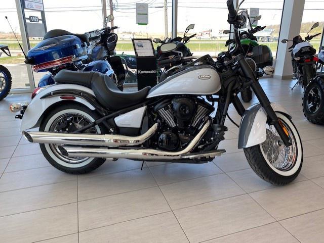Kawasaki VULCAN 900 CLASSIC 2021 - financement kaw. 3.99% terme 84 mois 54,00$ sem. taxes inclues