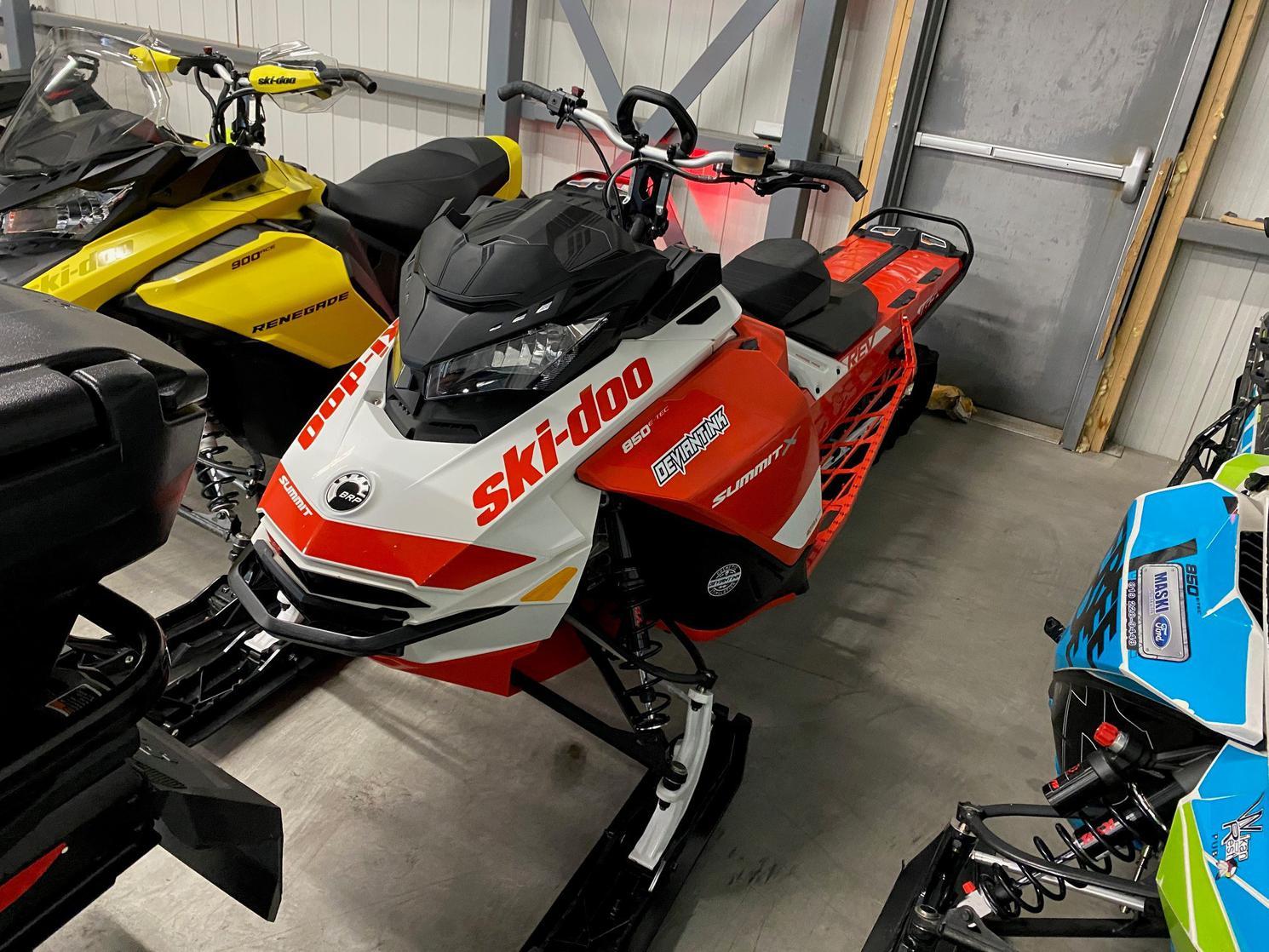2020 Ski-Doo SUMMIT X 165 850