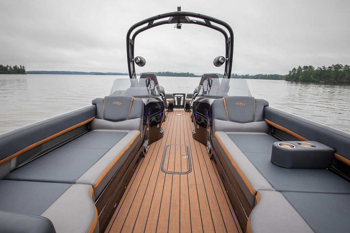 2022 Manitou Pontoon boat for sale, model of the boat is XT 27 & Image # 15 of 18
