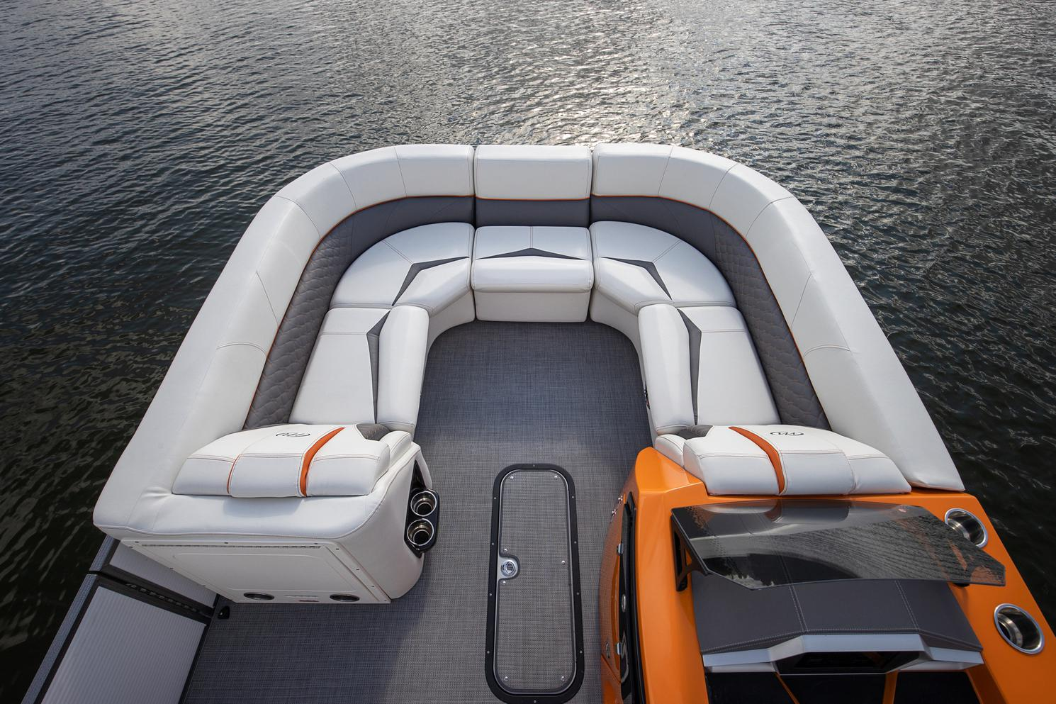 2021 Manitou Pontoon boat for sale, model of the boat is LX & Image # 5 of 15