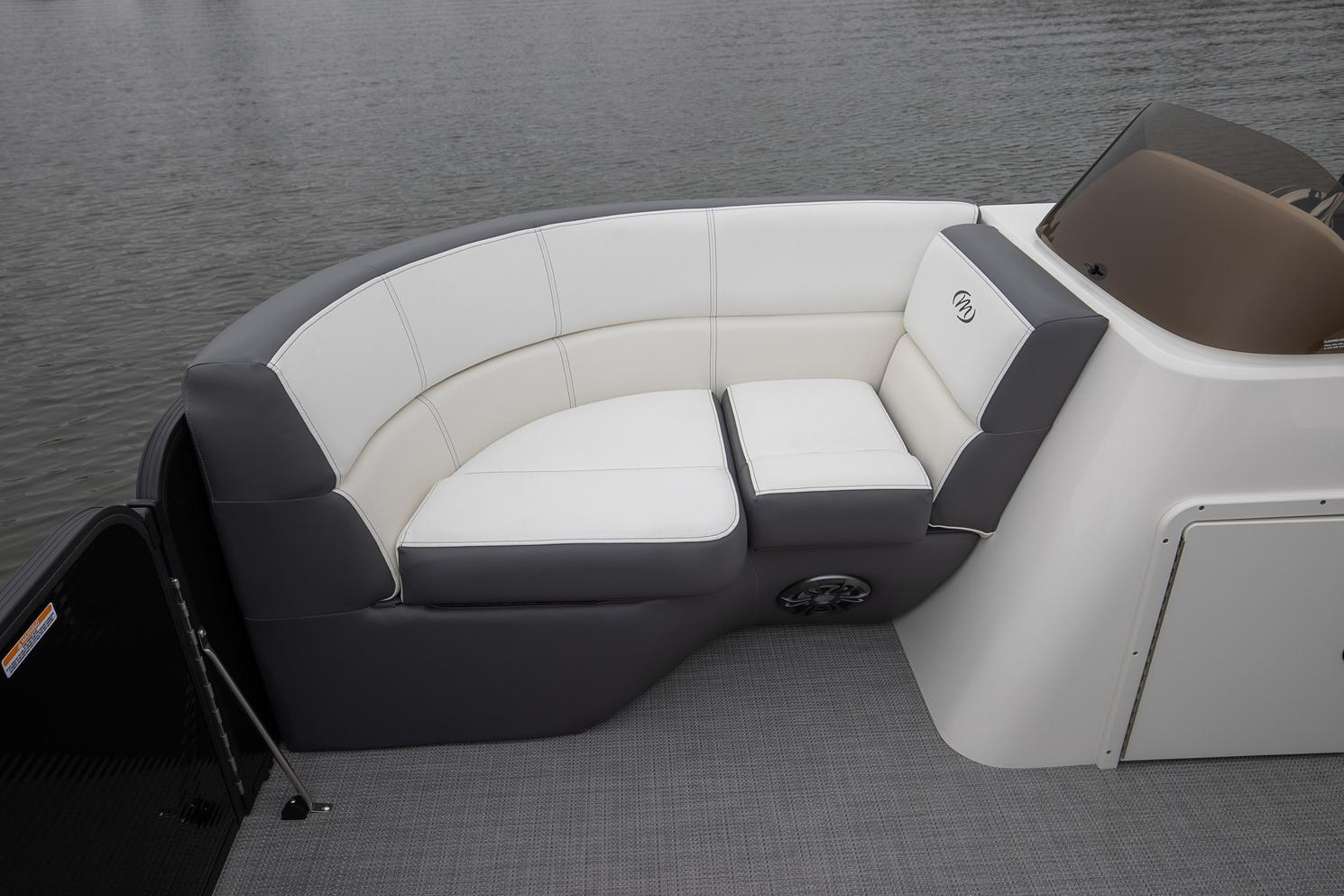 2021 Manitou Pontoon boat for sale, model of the boat is AURORA & Image # 3 of 8