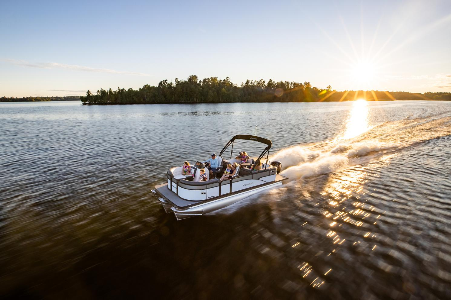 2021 Manitou Pontoon boat for sale, model of the boat is AURORA & Image # 11 of 11