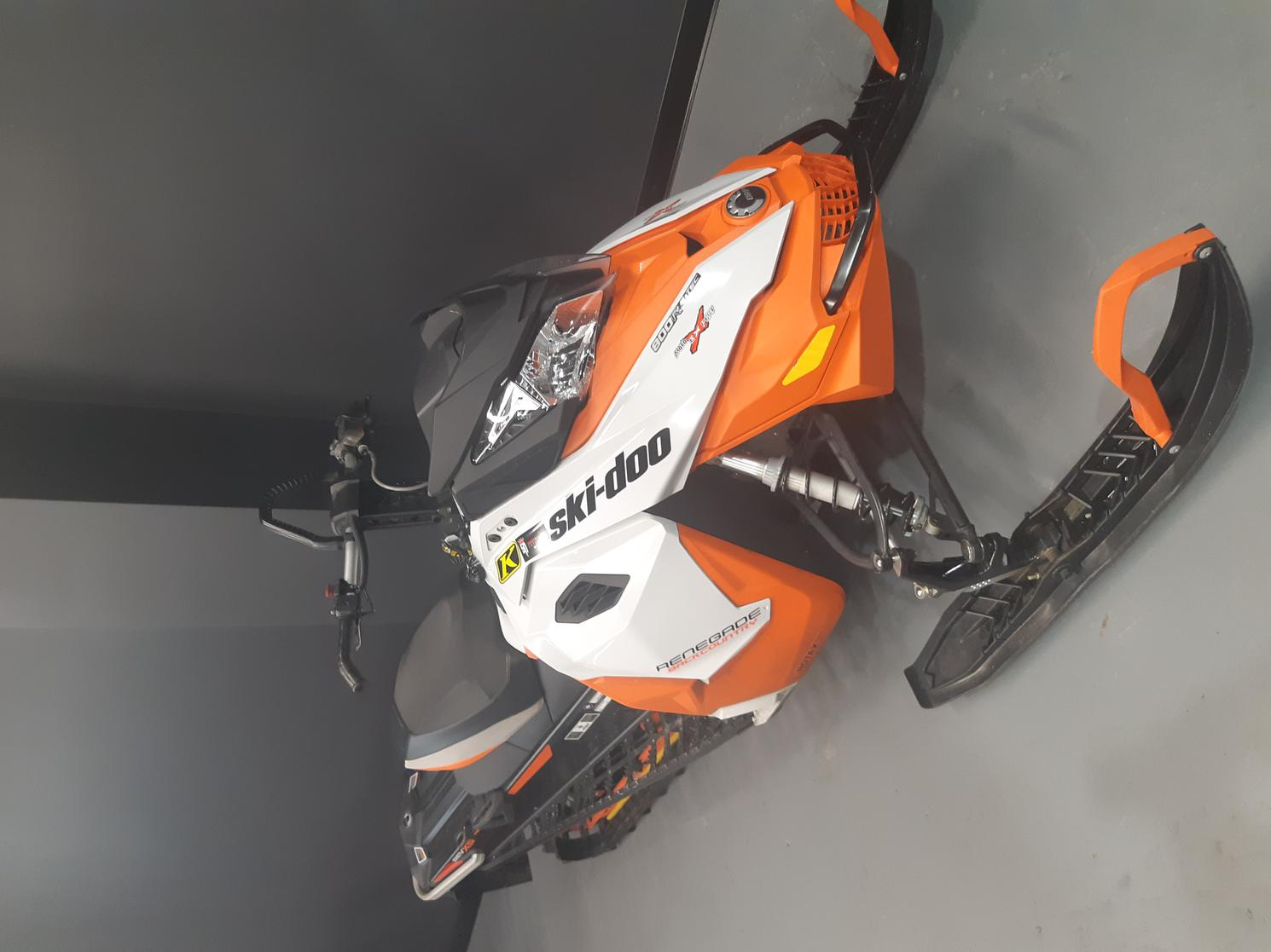 Bombardier RENEGADE BACK COUNTRY 800 ETEC 2015