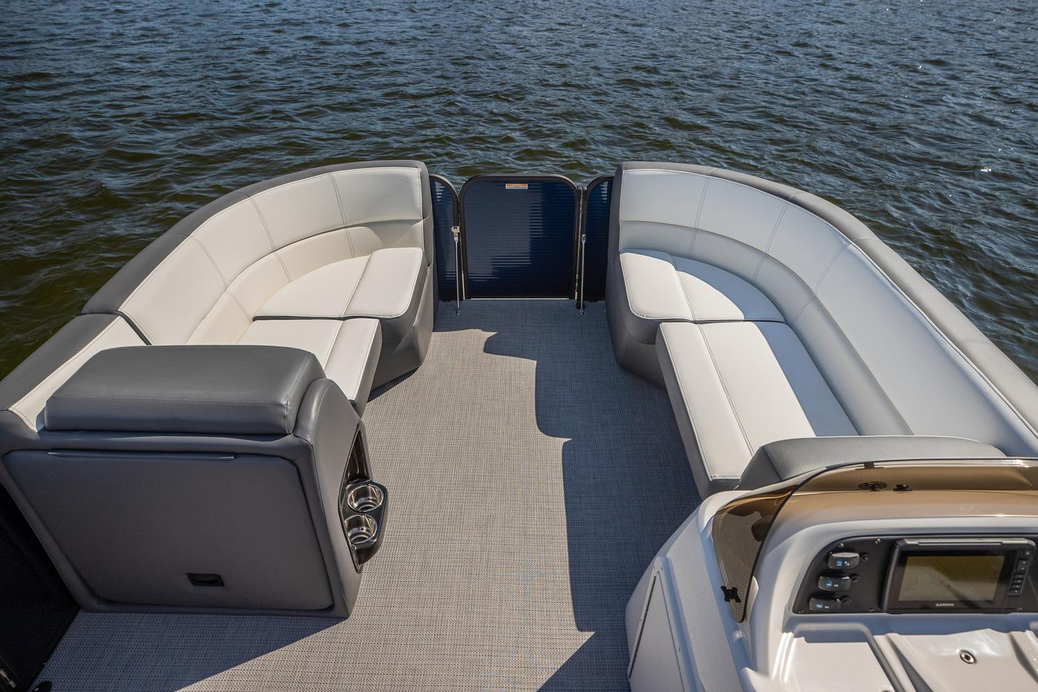 2021 Manitou Pontoon boat for sale, model of the boat is AURORA & Image # 4 of 11