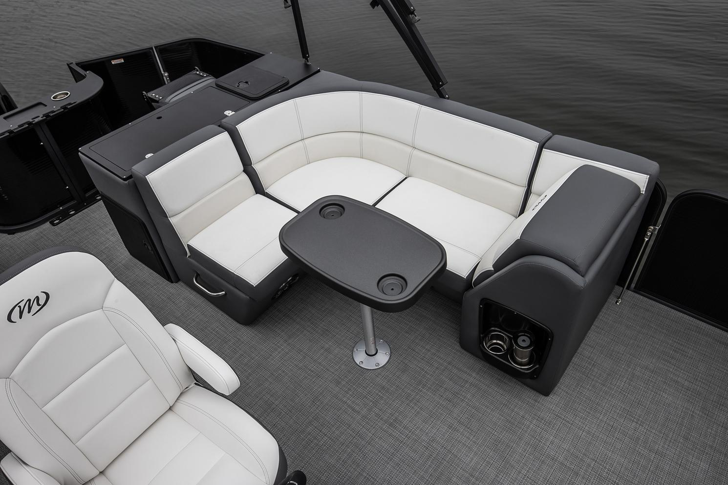 2021 Manitou Pontoon boat for sale, model of the boat is AURORA & Image # 8 of 8