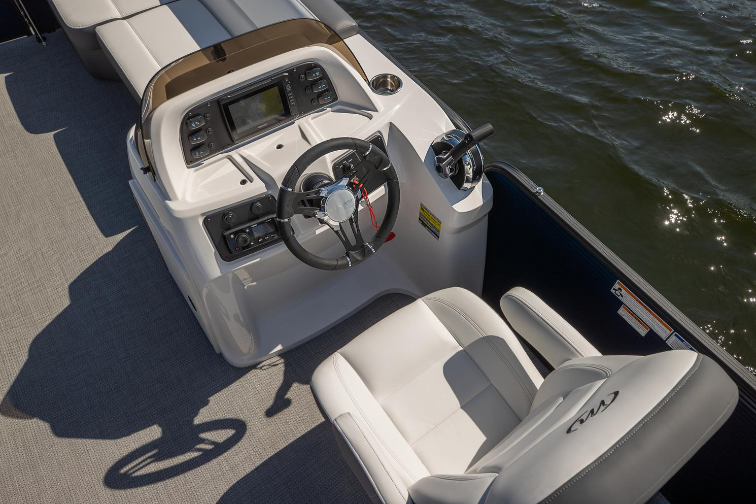2021 Manitou Pontoon boat for sale, model of the boat is AURORA & Image # 3 of 11