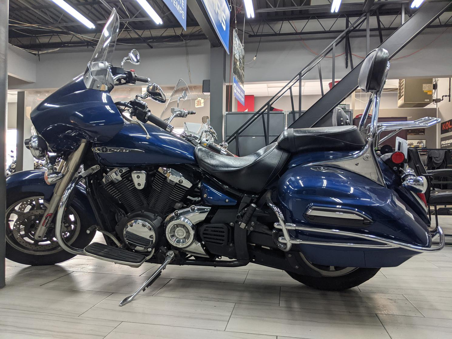 Yamaha V-Star 1300 DLX 2013
