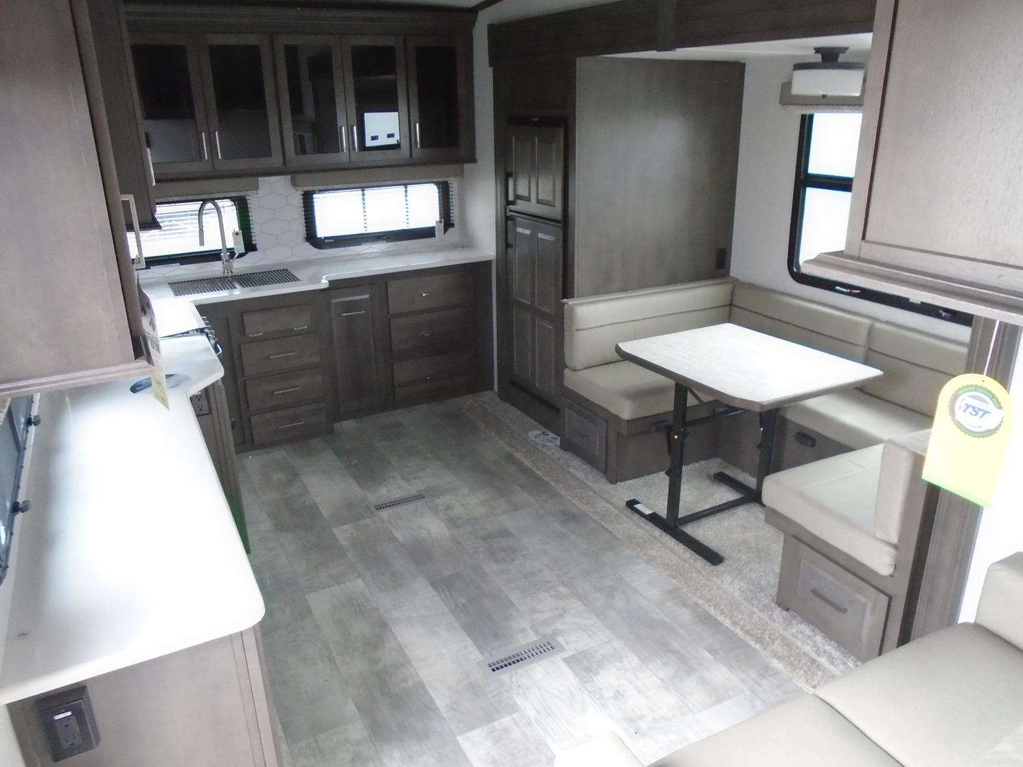 Flagstaff FLF526RK 2021
