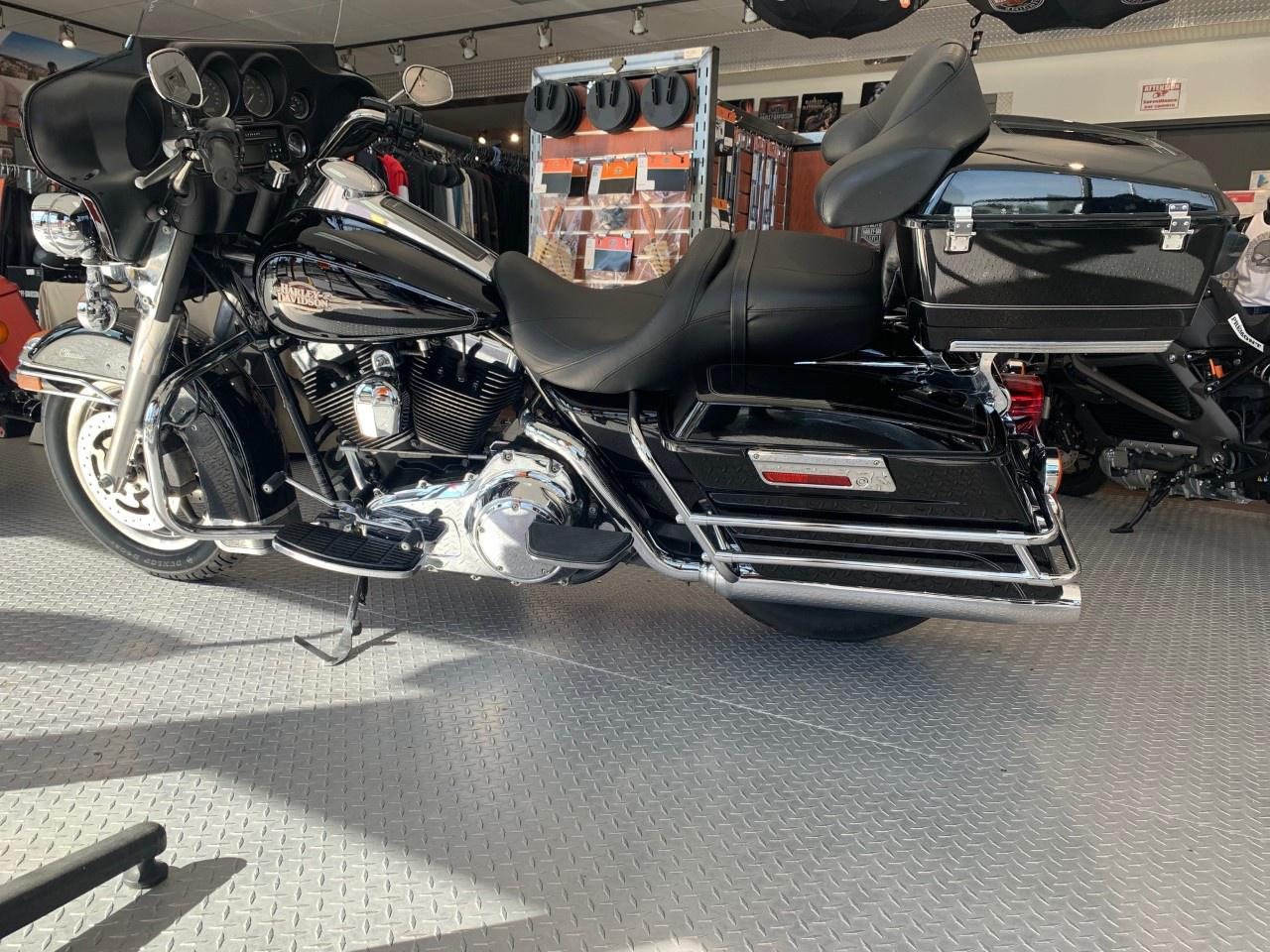 Harley-Davidson FLHTC Electra Glide Classic 2008