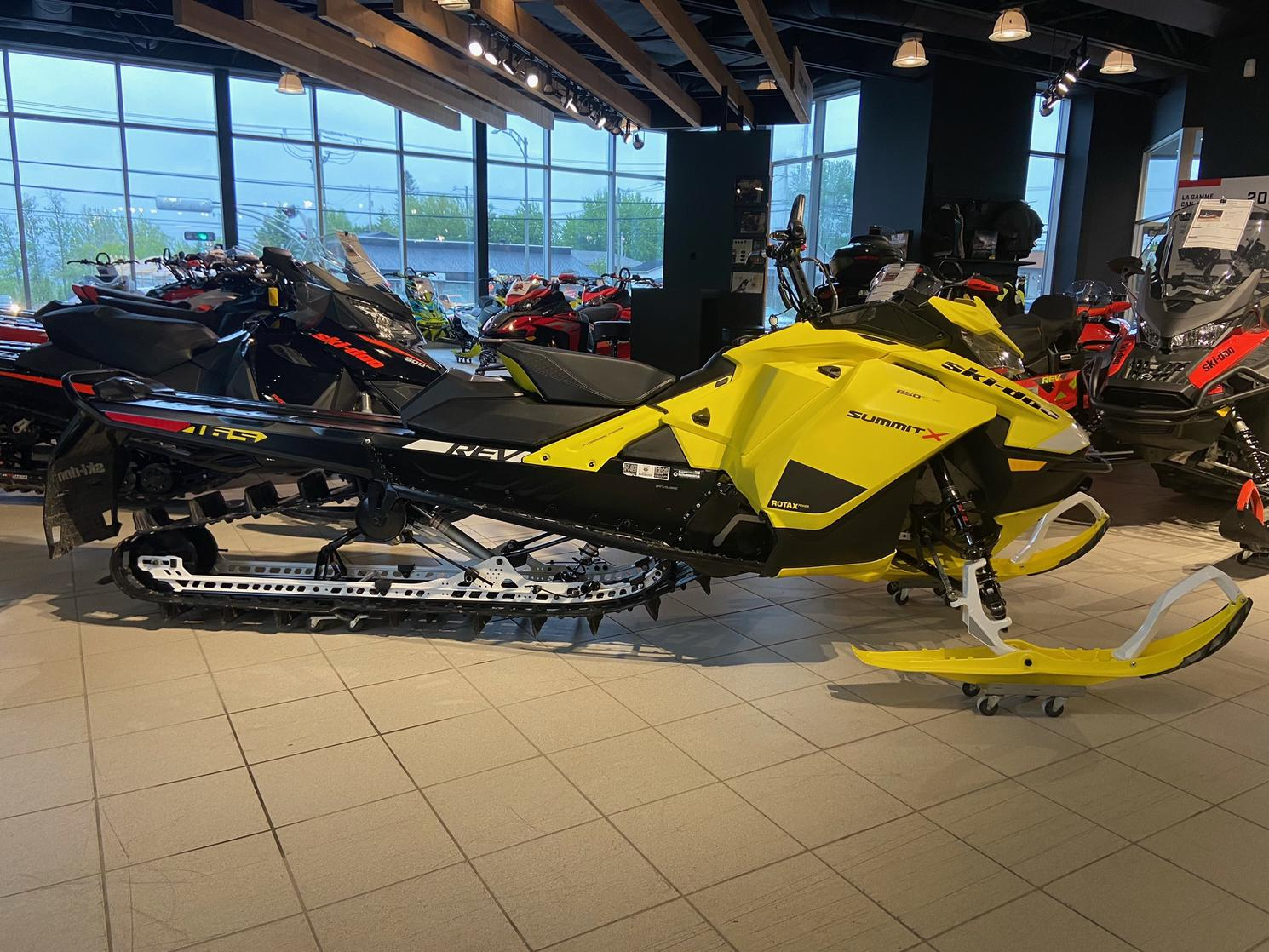 2020 Ski-Doo SUMMIT X 850 165 2.5
