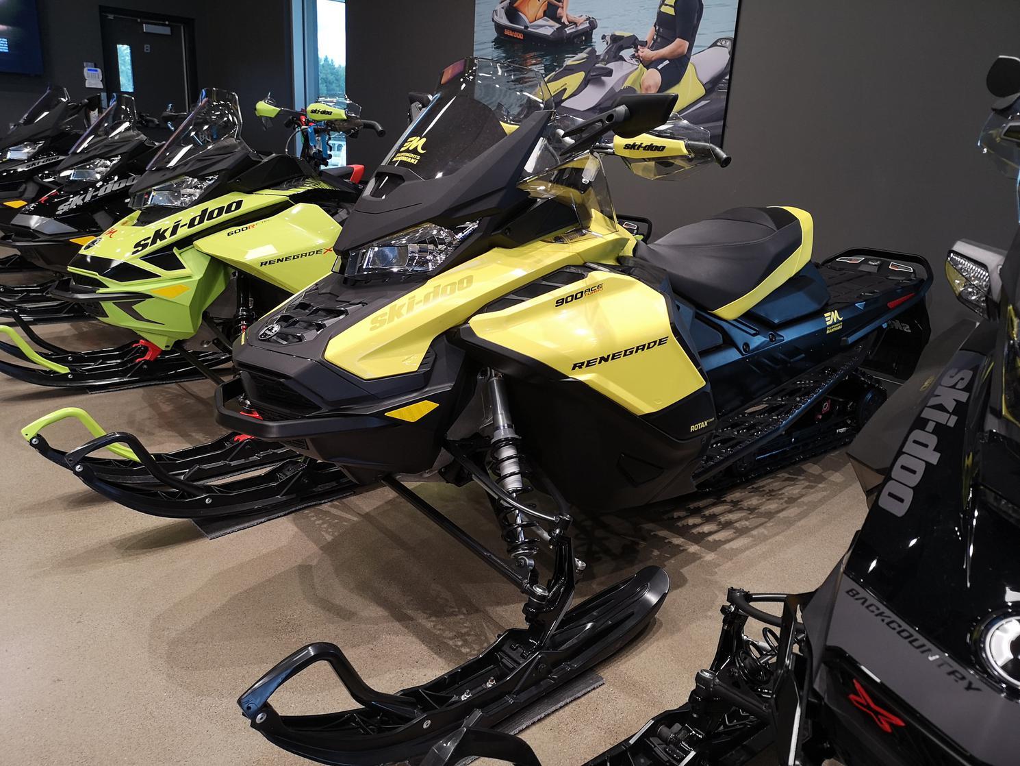2021 Ski-Doo Renegade adrenaline 900 turbo