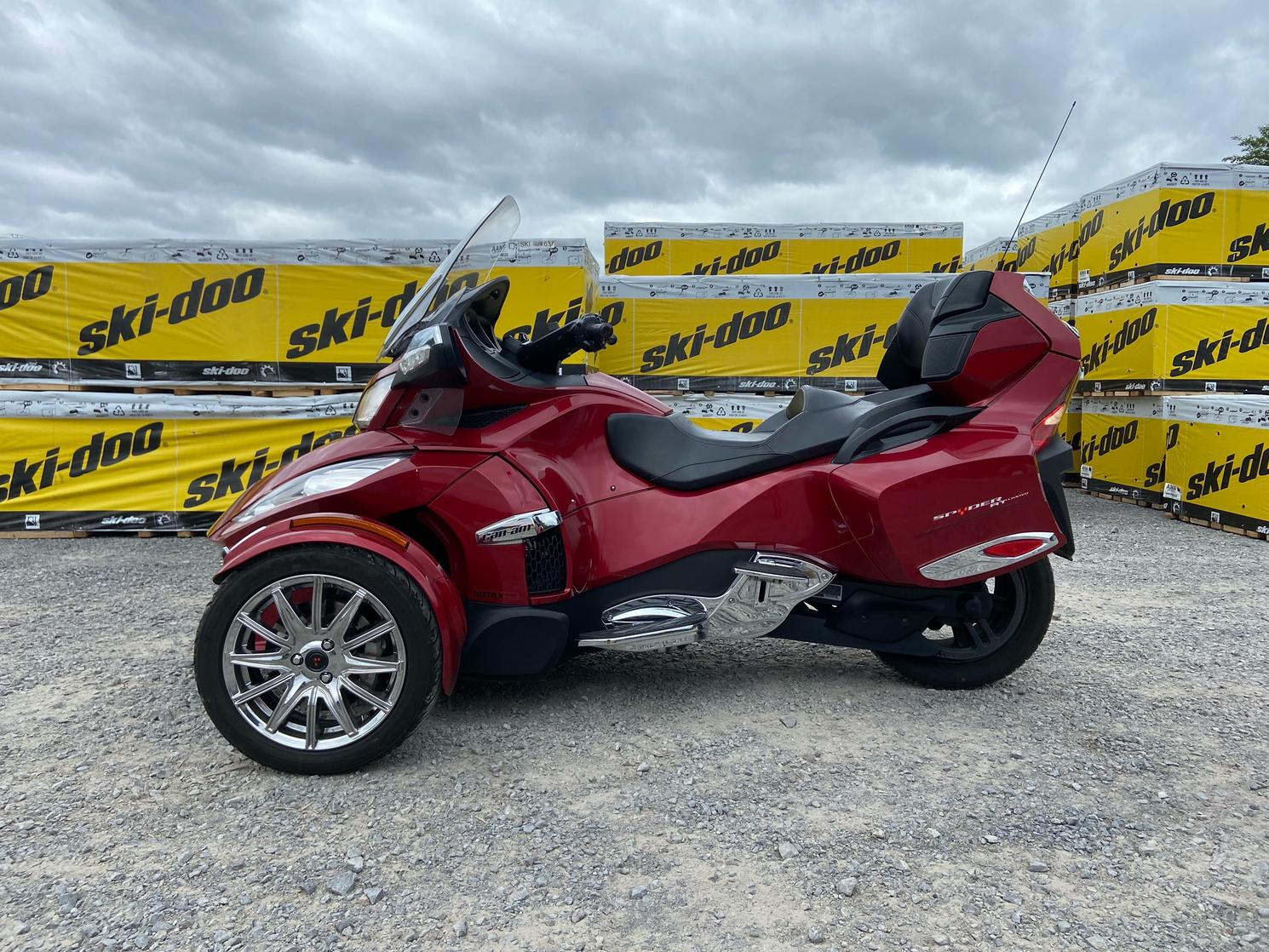 2015 Can-Am SPYDER RT LIMITED 1330 SE6