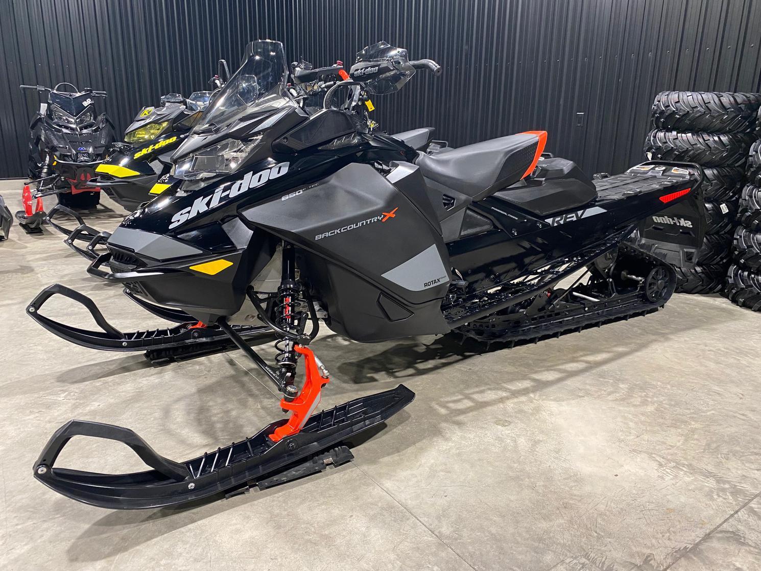 Ski-Doo Renegade Backcoutry 2020 - 850cc 2 temps