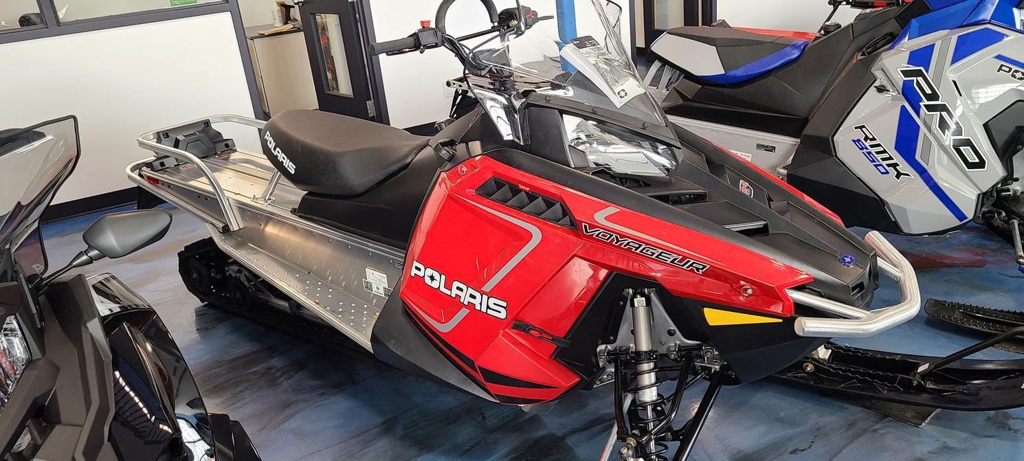 Polaris 550  INDY  VOYAGEUR 155 2022