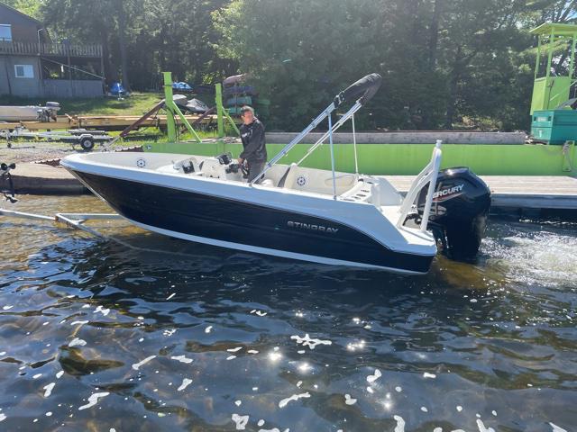 2022 Stingray Boat Co 172SC