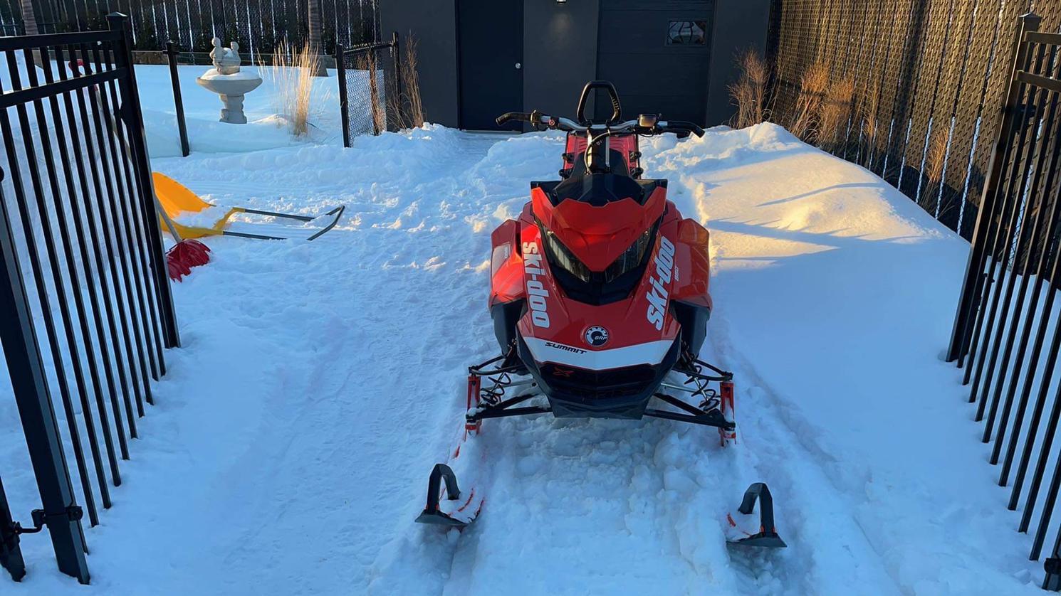Ski-Doo Summit x 850 2019 - Brp