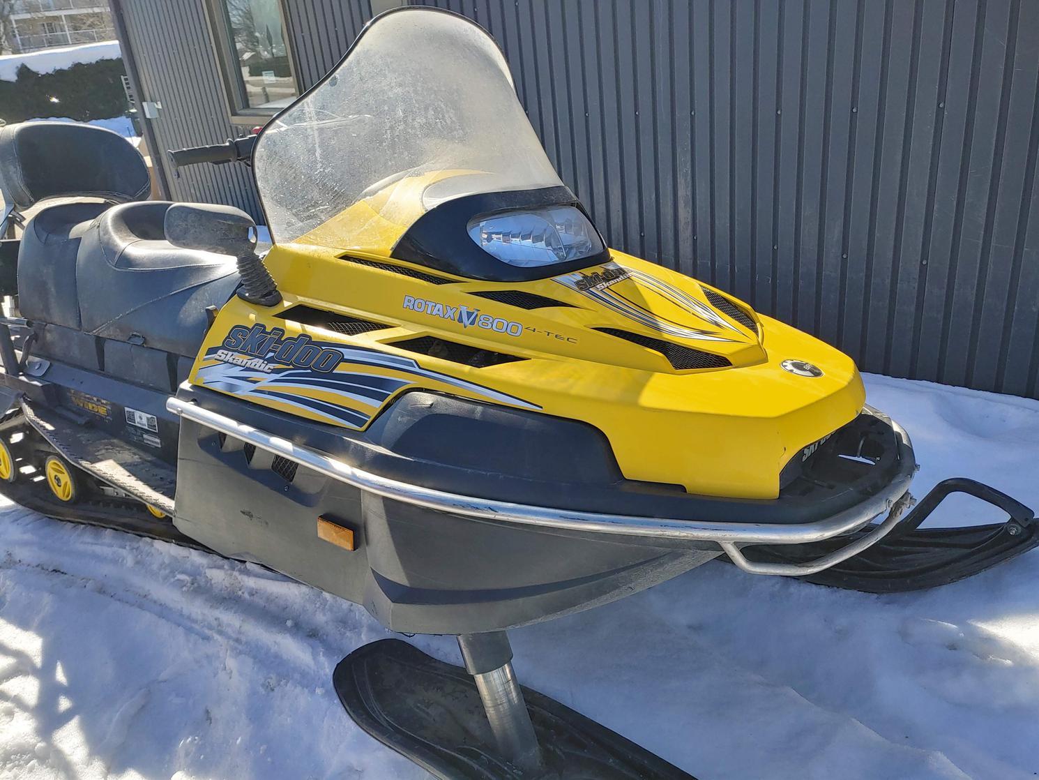 2009 Ski-Doo SKANDIC SWT V-800