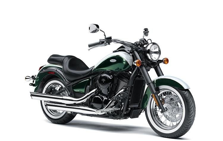 2022 Kawasaki VULCAN 900 CLASSIC Metallic Dark Green / Pearl Robotic White