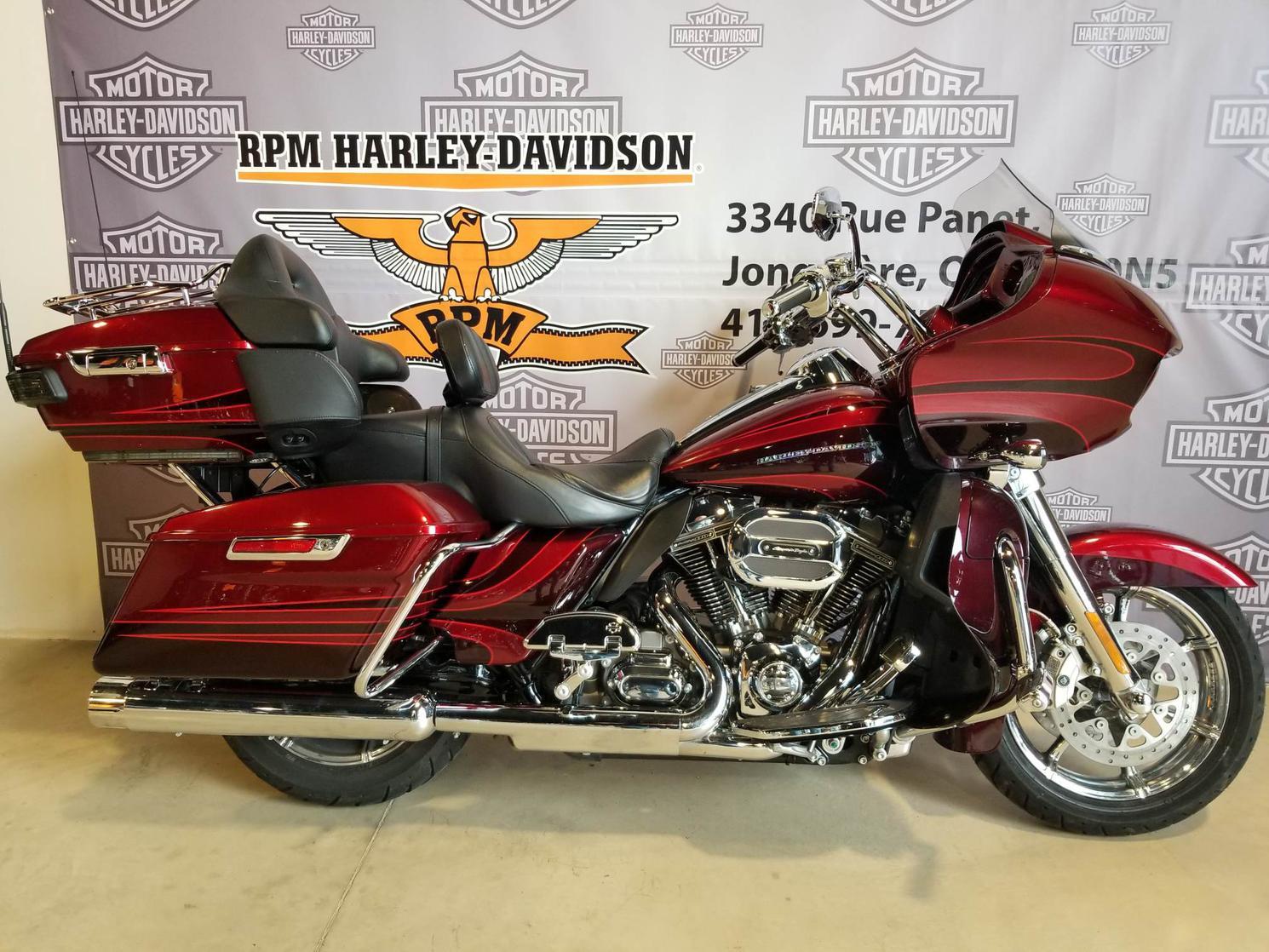 FB959196 Harley-Davidson CVO Road Glide Limited 2015