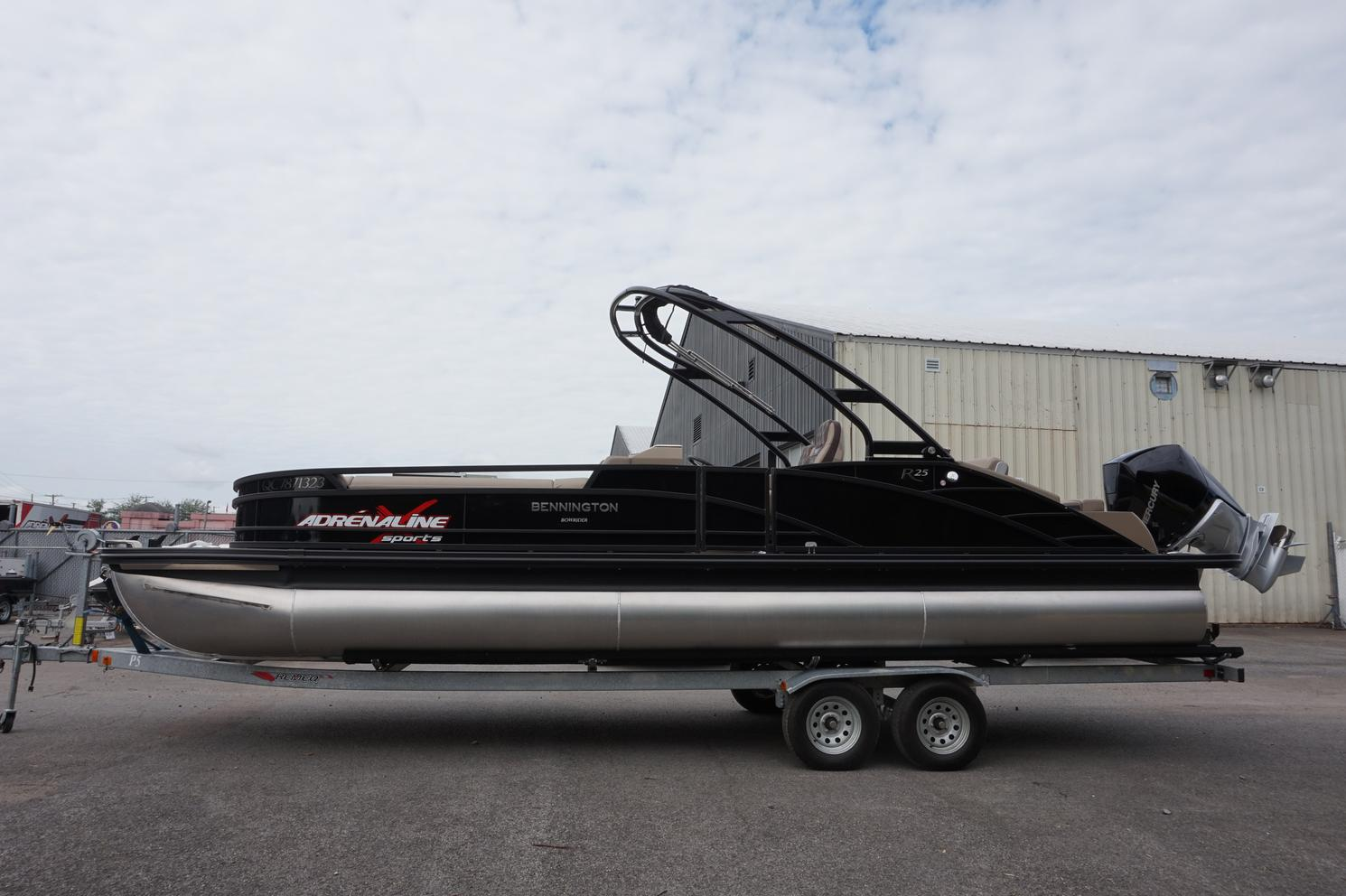 Bennington Marine 25 R Bowrider 2022