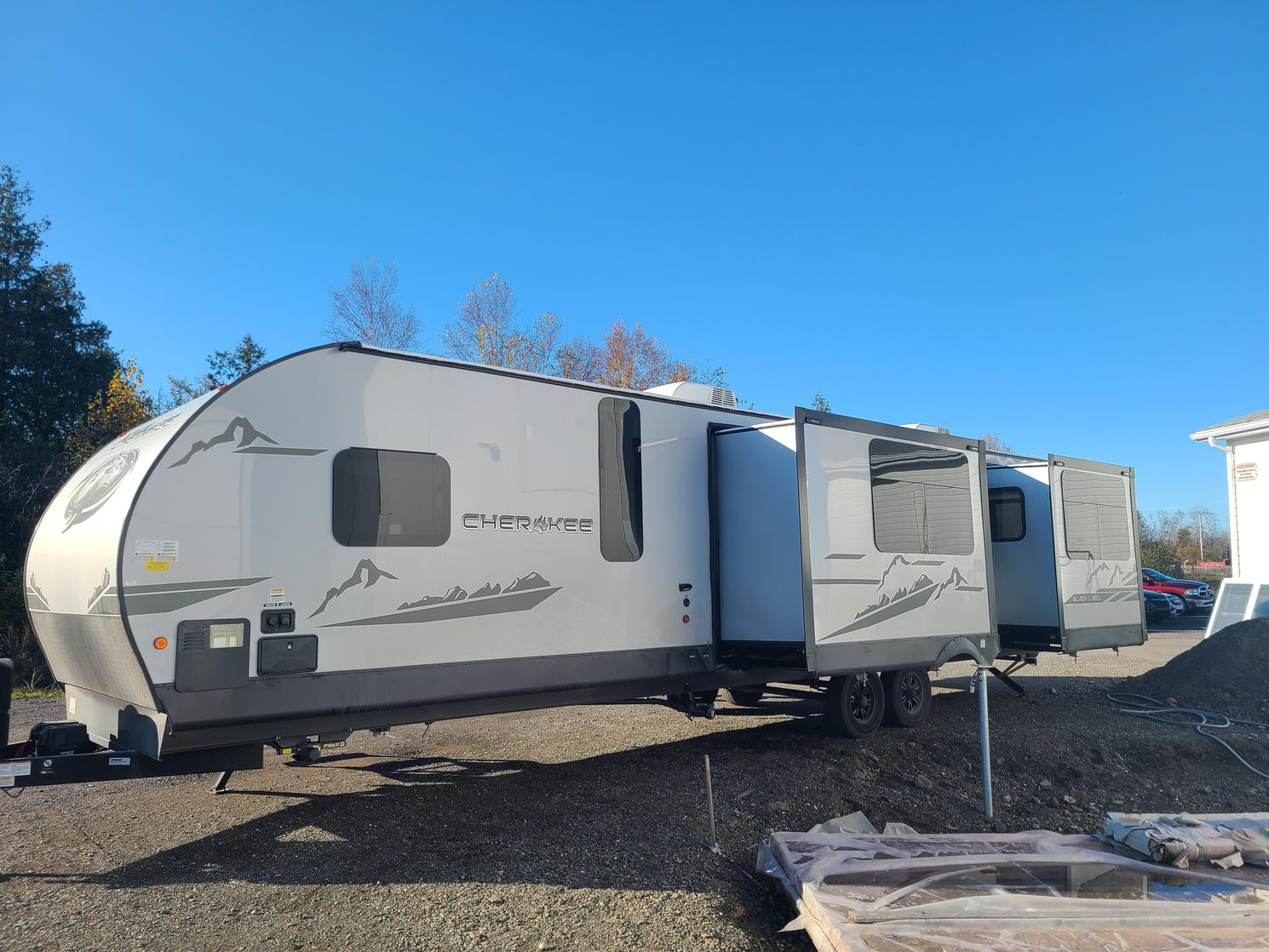Forest River CHEROKEE 306MM BLACK LABEL 2022